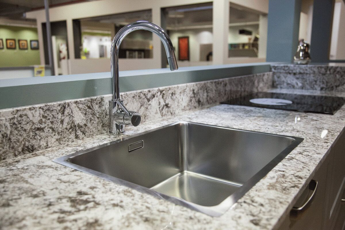 Detalle de fregadero de cocina blanco para cocina lasan decoracion - Novedades en muebles de cocina ...