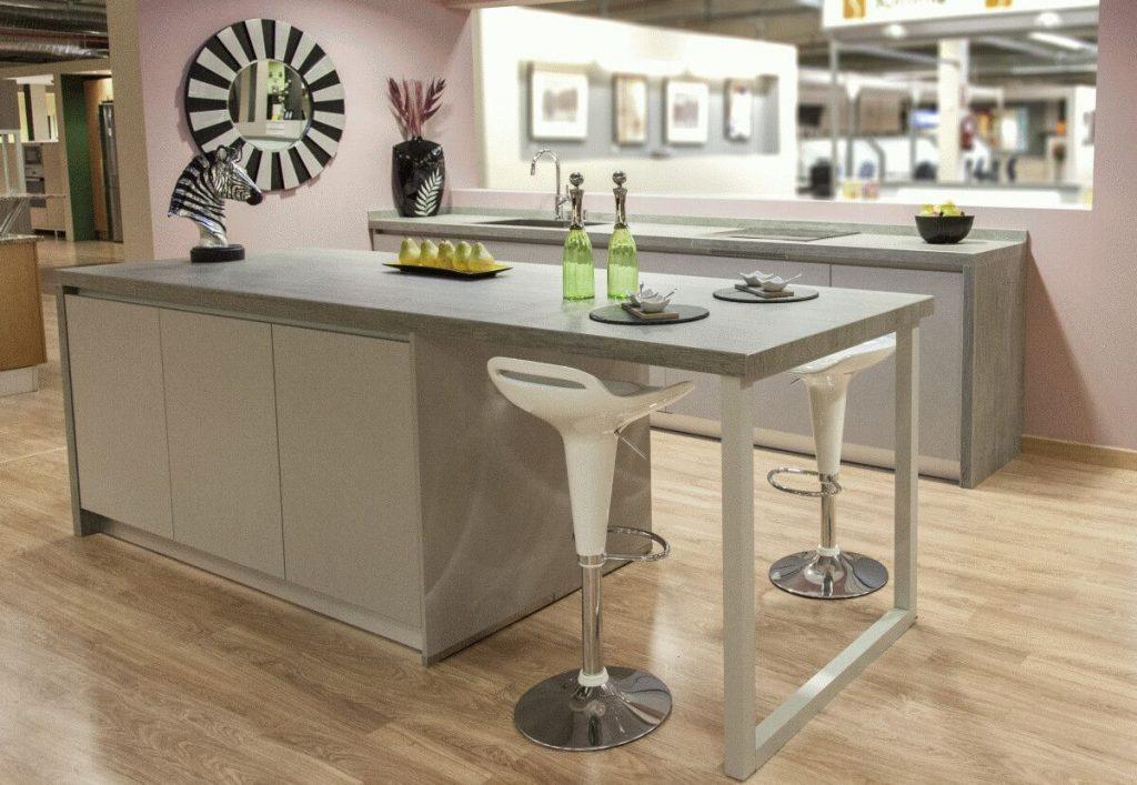 Novedades en muebles de cocina lasan guadalajara for Patas muebles cocina