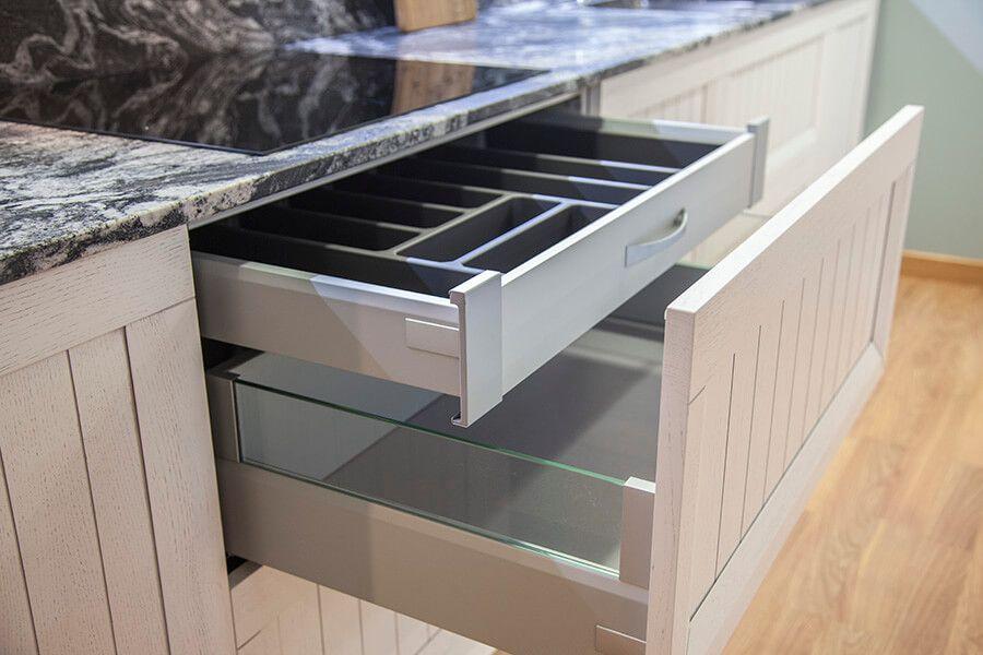 Detalle cubertero cocina nordica lasan decoracion - Muebles de cocina lasan ...