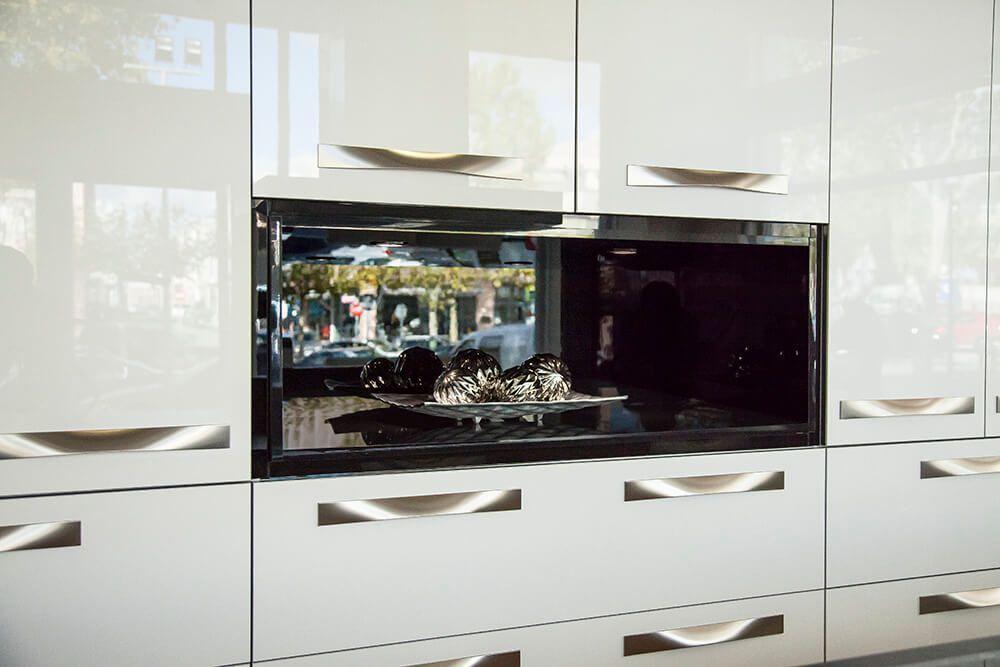Violeta brillo 2018 lasan decoracion - Crea tu cocina online ...